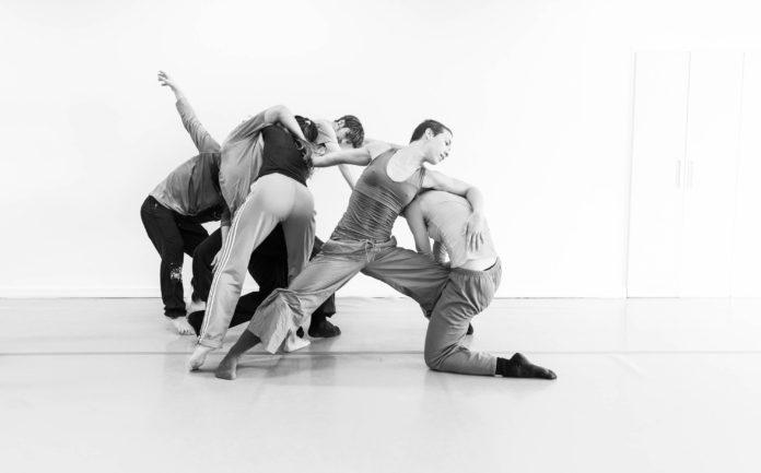 Akbank Sanat Dünya Dans Günü'nü Kutluyor
