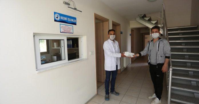 PAÜ Bünyesinde Üretilen Medikal Maskeler PAÜ Personeline Dağıtıldı