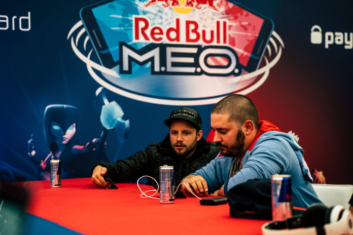 Red-Bull-M.E.O.-Geri-Donuyor