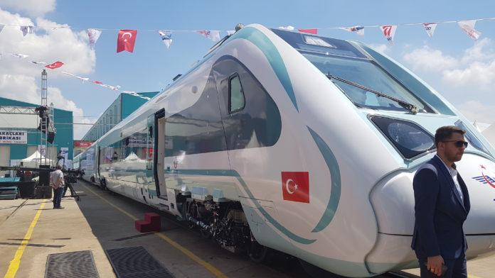 Turkiye'nin İlk Yerli ve Milli Elektrikli Treninin Uretimine ASAS Destek Verdi