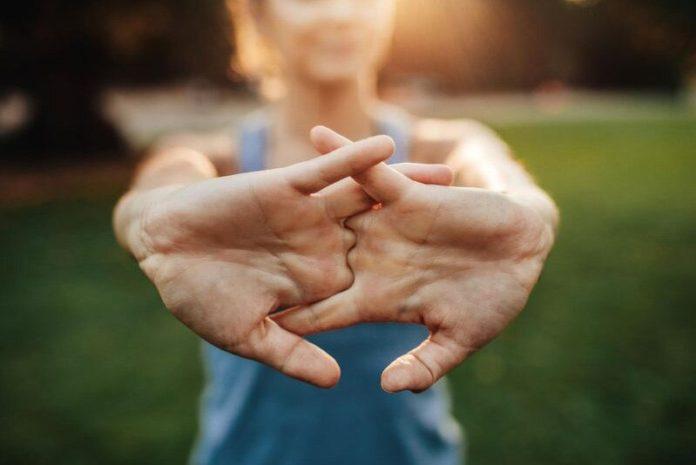Parmaklarinizi citlattigınizda Neler Oluyor